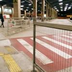 Pedestre, atravesse na faixa!